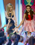 Jennette and Ariana at the Kids Choice Awards 2013