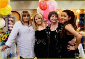 Ariana and Jennette's birthday on set