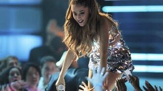 Ariana Grande Live at MMVAs 2014 (Full Performance HD) Backstage