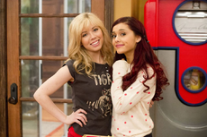 Sam and Cat's promotional picture for GoomerSitting