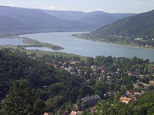 300px-DonauknieVisegrad