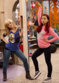 Sam and Cat posing in FavoriteShow