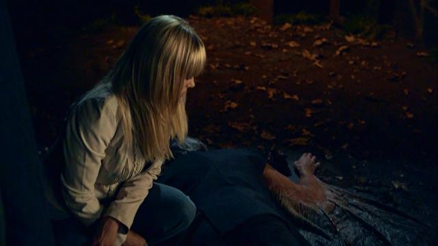 File:1x04 - Ashley and Bigfoot find Mr. Jones.png