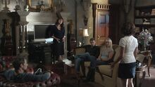 1x11 The Sanctuary team listens to Amy