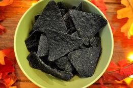 Japan-garlic-pepper-halloween-doritos-black-chips-large