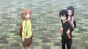 Asuna, Kirito y Yui en el piso 1