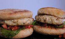 Burgers-au-Poulet---Salsa-de-Tomates