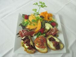 Bruchetta-et-salade-de-mesclun-composÇe-02