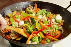 Légumes-sautés-à-la-chinoise-626x417