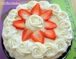 Vacherin aux fraises et aux pralines roses