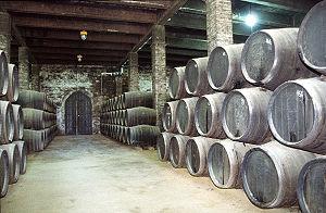 300px-Sherry cellar, Solera system 2, 2003