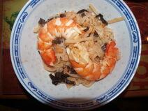 Crevettes-geante-pates-de-riz-et-sauce-aigre-douce