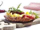 Bruschetta oeuf et jambon