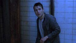 Адам в ванной комнате