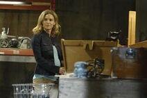 Джилл в мастерской Джона