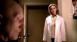 Джон навещает Джилл в клинике