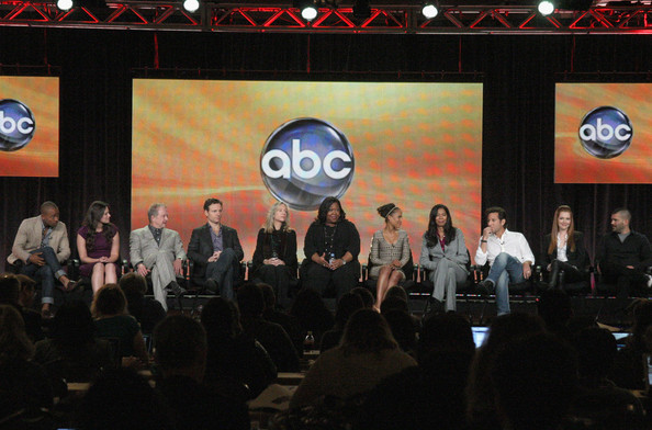 2012 Winter TCA Panel - Scandal Cast and Crew 01