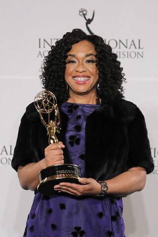 File:2016 International Emmys Awards - Shonda Rhimes 03.jpg
