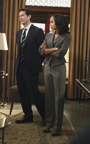 File:1x04 - Olivia Pope and Stephen Finch 01.jpeg