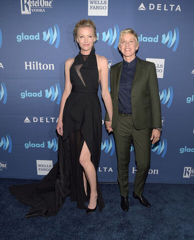 File:2015 GLAAD Awards - Portia and Ellen 2.jpg