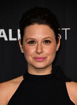 2017 Paley Fest LA - Katie Lowes 01