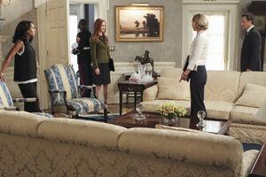 5x03 - Olivia, Abby, Elizabeth and Fitz 01