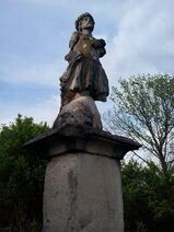 Statue im Hoia-Baciu