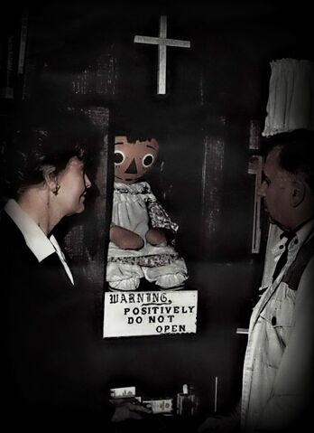 Datei:Annabelle Museum.jpg