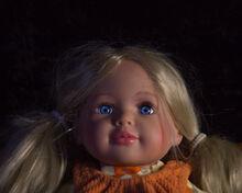 Blonde Puppe