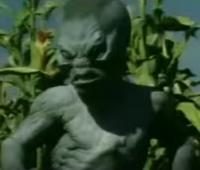 Scary Movie 3 alternative ending alien