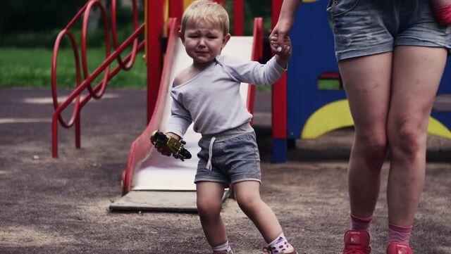 File:Boy cryin in the Playground.jpg