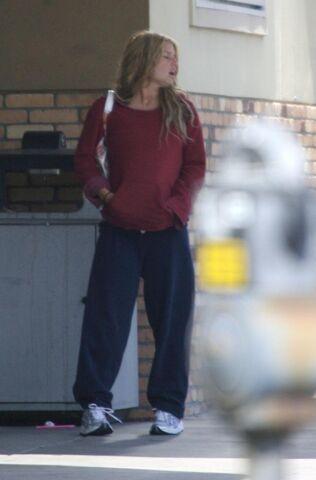 File:Jessica simpson shopping sweats la 5.jpg