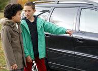 Raphael und Dominik haben Bergers Auto getroffen SE 752 MDR