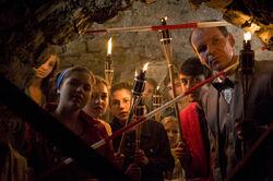 Herr Zech zeigt den Schuelern die geheimnisvollen Katakomben-SE-791-MDR