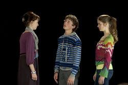 Folge 654 - Coco (Luisa Liebtrau) spielt die Hermia, Sándor den Lysander (Lennart König).