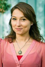 Janina Elkin spielt Frau Levin