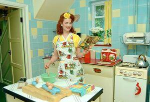 Housewife-goog