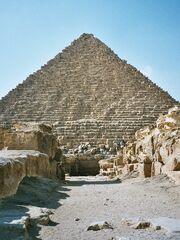 Egypt.Giza.Menkaure.01