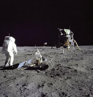 Satellites-Moon-Apollo-11-goog
