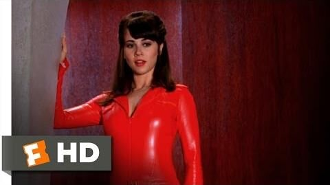 Scooby Doo 2 Monsters Unleashed (4 10) Movie CLIP - Velma Gets Hot (2004) HD