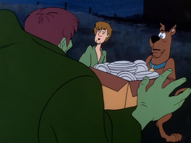 File:Shaggy and Scooby meet the Creeper.png