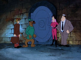 Scooby and Shaggy disguised as safecrackers