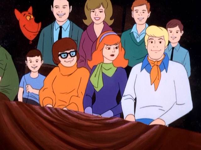 File:Balloon in shape of Scooby's head.png