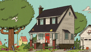 S1E01B View of Loud House shaking