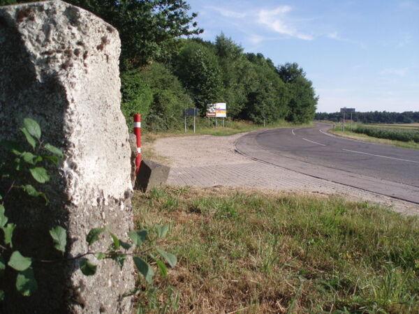 Border marker DE-NL South 593