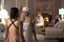 ScreamQueens-Still-3