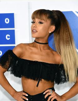 Ariana vmas 16