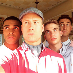 Aaron with <i>Scream Queens</i> co-stars
