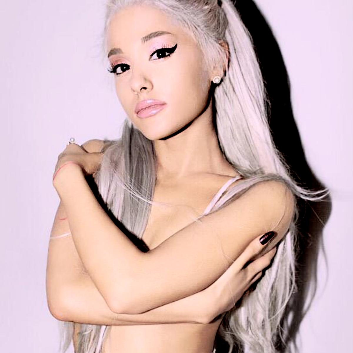 Resultado de imagem para Ariana Grande