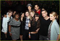 Lea Michele And Glee Cast